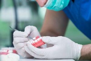 Prótese dentária: qual a mais indicada?